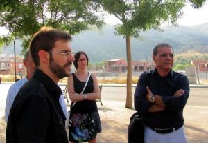 El diputat de Compromís Josep Maria Panyella en una visita a Ròtova, amb representants de Compromís per Ròtova.